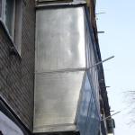 Железный балкон