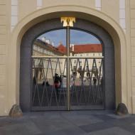 Двери в Президентские покои